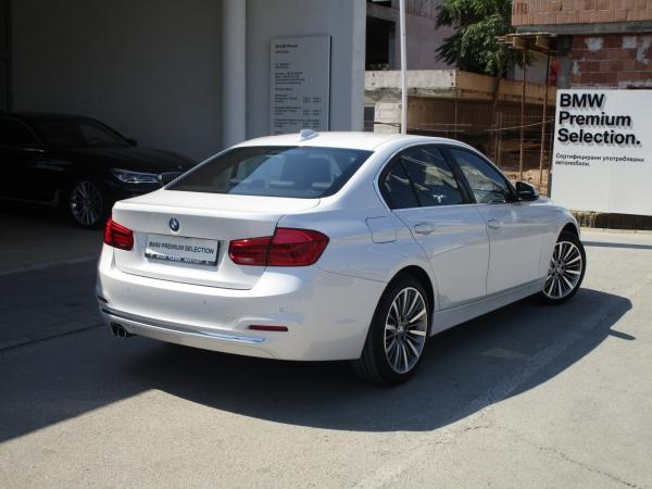 BMW 330d xDrive  03