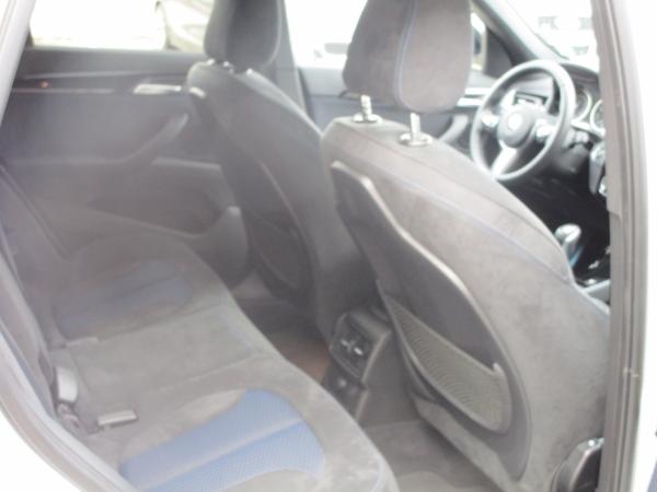 BMW X1 xDrive 18d 08