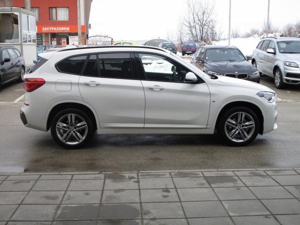 BMW X1 xDrive 18d 02