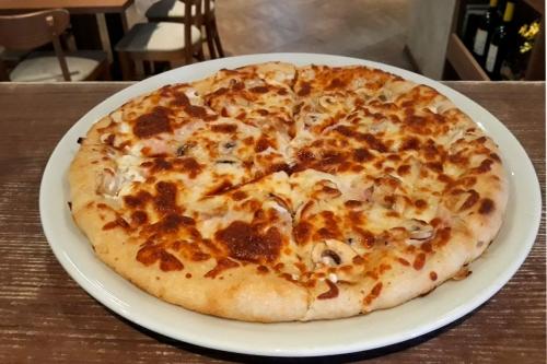 Пица Мания - с пълнен борд